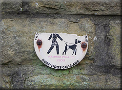 St George's Square entrance gates dogs on leads sign